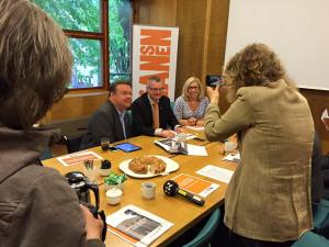 Jonas Ransgård, Helene Odenjung och David Lega presenterar budget 2016